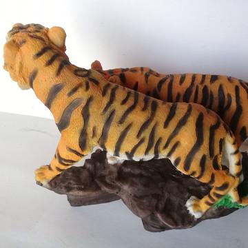 Estatueta de casal de tigres asiáticos