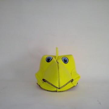 chapeu pintinho amarelinho