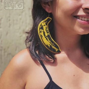 Brinco banana Andy Warhol em feltro