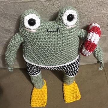 Victor Frog ·Sapinho de amigurumi