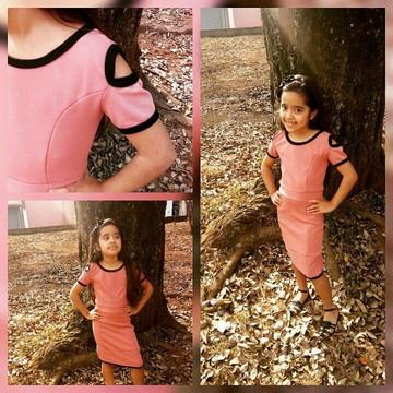 Vestido infantil com detalhe no ombro