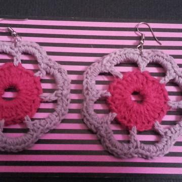 Brinco em Crochê na cor lilás e rosa