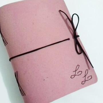 Agenda/caderno em recouro rosa com iniciais