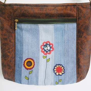 Bolsa tiracolo em tecido