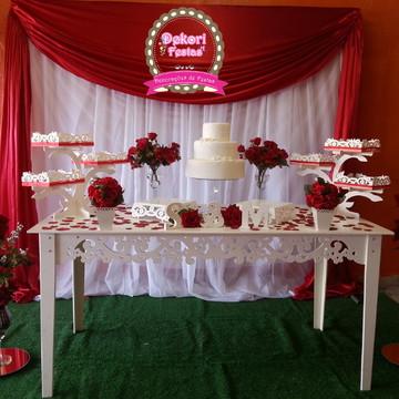 Decoração de Casamento Vermelho Simples