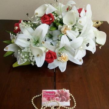 Buquê Cascata de Lírios, Rosas e Callas