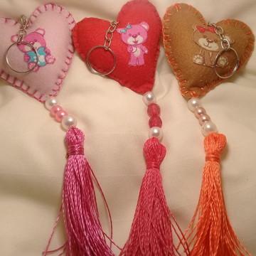 Chaveiro de coração em feltro com tassel