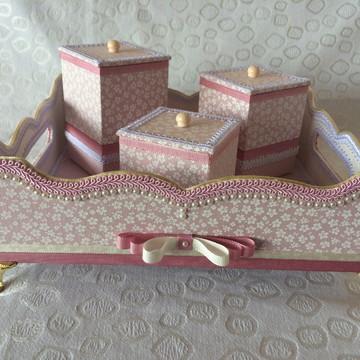 Kit Baby - Kit higiene - Bandeja com pezinhos com 3 potes