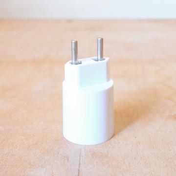 Soquete E27 com Plug para Tomada: p/ todo tipo de lâmpada