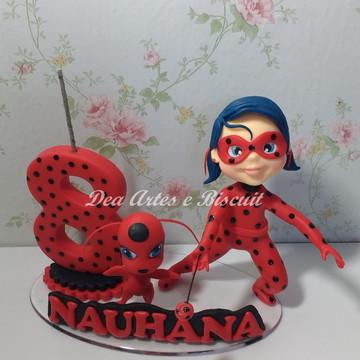 Topo de Bolo Ladybug em biscuit
