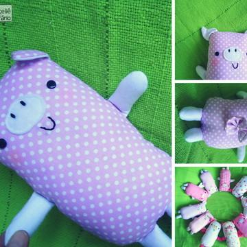 Boneco Porquinho Rosa poá em tecido