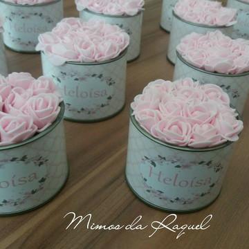 Mini lata com rosas