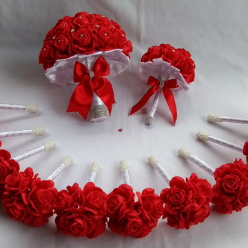 Buquê de noiva vermelho e Branco+Réplica+10 Buquês Madrinhas