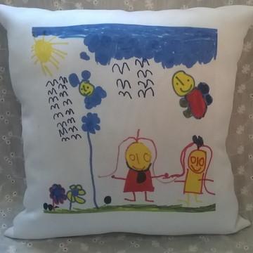 Almofada com desenho feito pela criança