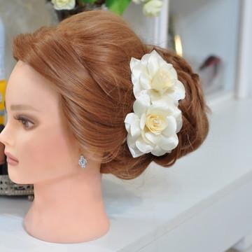 Arranjo de Flor para Noiva Off White