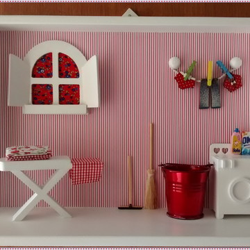 Quadro Vitrine Decorativo p/Lavanderia - Red Laundry
