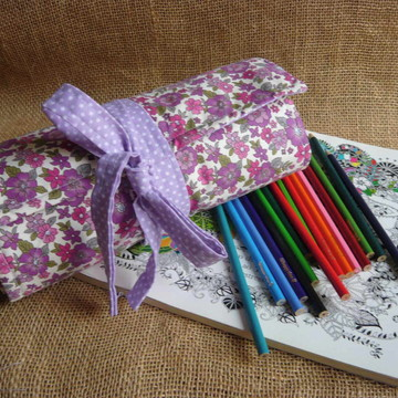 Estojo Rolinho Porta 140 lápis de cor