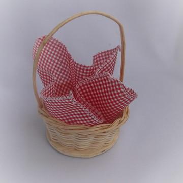 cestinha em cipó com mini toalha