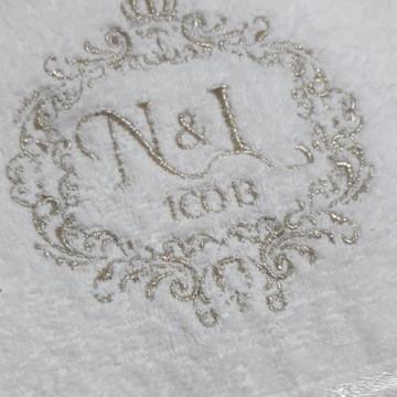 Toalha de Banho Bordada Personalizada #M11