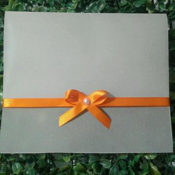 Envelope em Papel Vegetal para Convite Laço Vertical Laranja