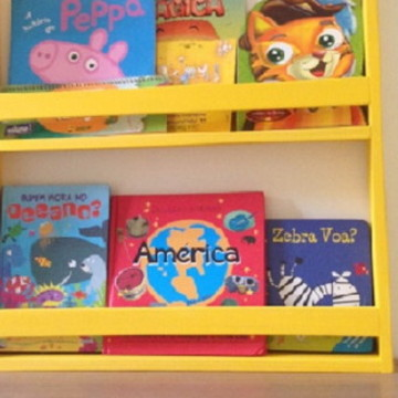 Estante para livros infantil