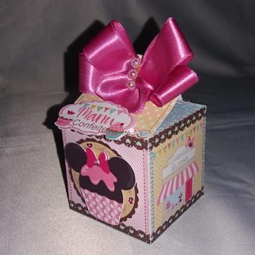Caixa quadrada - Mimos de luxo Minie Confeiteira