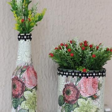 Garrafa vidro e Lata decorada com craquelê decoupagem flores