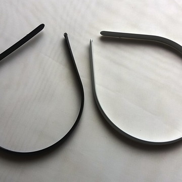 Tiaras Pretas Lisas Para Encapar 10 mm Pacote com 12 Peças