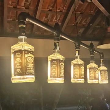 Lustre Industrial de Garrafas Jack Daniel's   N5