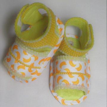 Sandália de Bebe em Feltro e Pérolas Amarela - Banana