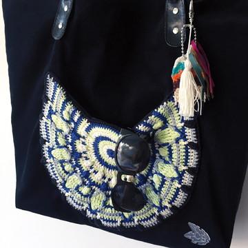 Bolsa com Bolso de Crochê