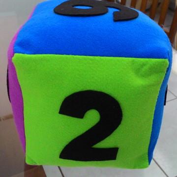 Dado em feltro com números 15x15cm jogos, rpg