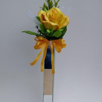 Arranjo Solitário com Flor Artificial
