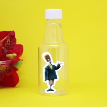 Garrafinha de plástico com adesivo -Hotel transilvânia