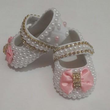 Sapato Infantil Menina Rosa com Pérolas e Strass.