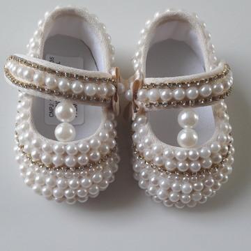 Sapato Infantil Menina com Pérolas e Strass.