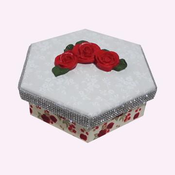 Caixa MDF forrada com tecido.