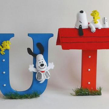 Letra mdf decorada Snoopy em feltro