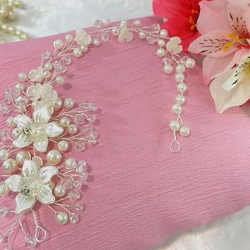 Enfeite de cabelo para noivas e debutantes