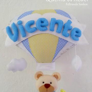 Enfeite de porta maternidade ursinho no balão em feltro