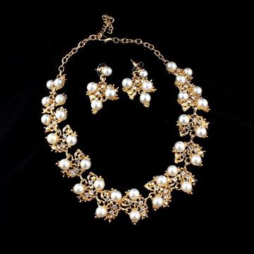 Conjunto Colar Dourado Gold Flores Brincos Cristais Pérolas