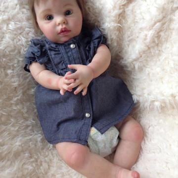 Boneca Bebê Reborn Catarina Kit Chanel parece de verdade