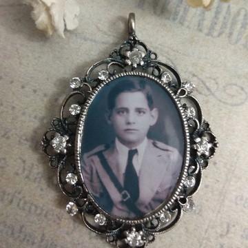 Medalha Relicário Terço Buquê Lapela