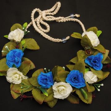Coroa de flores para cabeça azul e branco