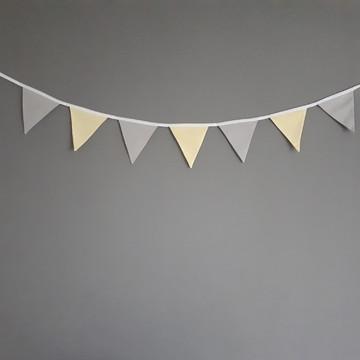 Bandeirinhas de tecido Cinza e Amarelo