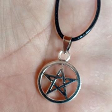 Colar Pentagrama Supernatural Frete fixo R$10