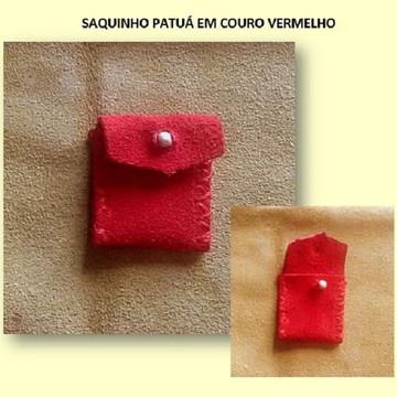 SAQUINHO PATUÁ EM COURO VERMELHO