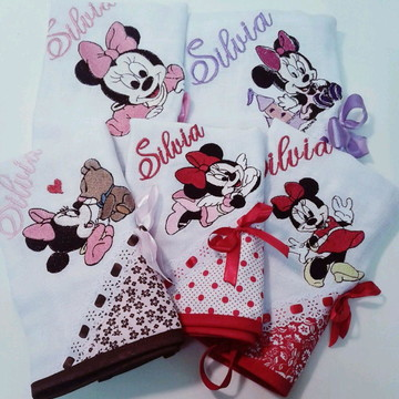 "Kit de fraldas de boca Bordadas ""Minnie"""