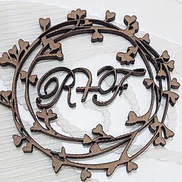 10 Monogramas ou brasão de casamento com iniciais