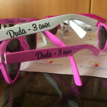 db9bfb4db2bb6 Óculos de sol personalizado infantil